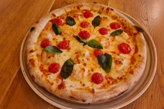 Pizza con gamberi